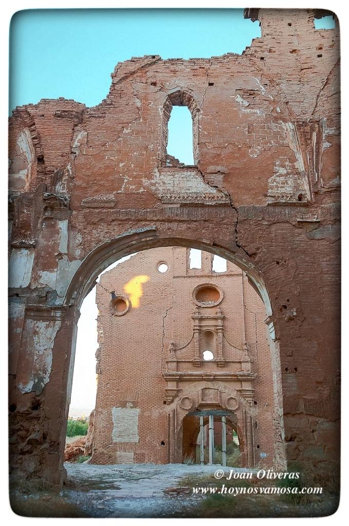 Fachada del Convento de San Rafael desde el interior de la Iglesia de San Martín de Tours